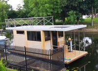 2021 Campi 280 Houseboat