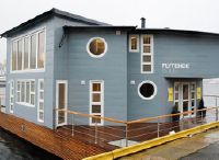 2015 Grey Floating House Houseboat
