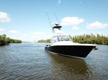 2022 45' Bonadeo-Custom Carolina Walkaround 45 Stuart, FL, US