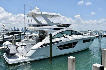 2017 60' Cruisers Yachts-60 Cantius Miami, FL, US