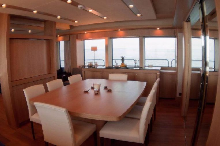 2011-115-sunseeker-34-metre-yacht