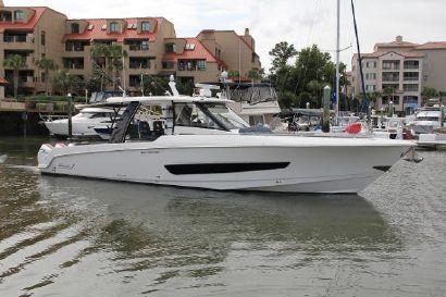 2021 42' Boston Whaler-420 Outrage Hilton Head Island, SC, US