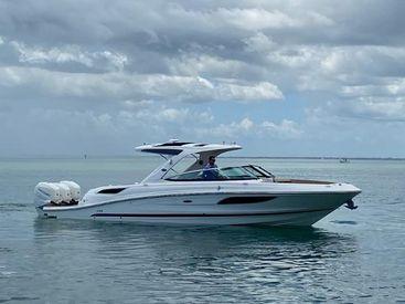2017 35' Sea Ray-350 SLX Outboard Sarasota, FL, US