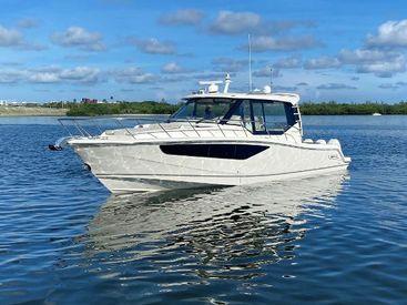 2021 40' Boston Whaler-405 Conquest Sarasota, FL, US