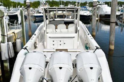 2016 36' Edgewater-368CC Miami, FL, US