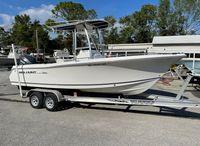 2010 Sea Hunt Triton 220