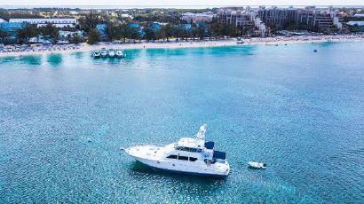 2000 82' Hatteras-Flybridge Grand Cayman, KY