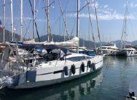 2017 RM Yachts 1370