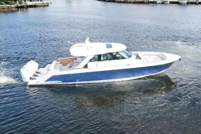 2022 48' Tiara Yachts-48 LS Delray Beach, FL, US