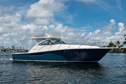2019 43' Tiara Yachts-4300 Open Dania, FL, US