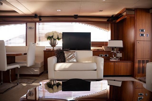 2008-86-11-sunseeker-86-yacht