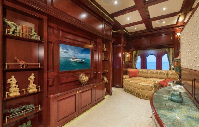 2008-164-trinity-yachts-164-tri-deck-motor-yacht