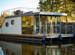 2021 Campi 400 Houseboat