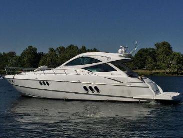2016 54' Cruisers Yachts-540 Sports Coupe Afton, OK, US