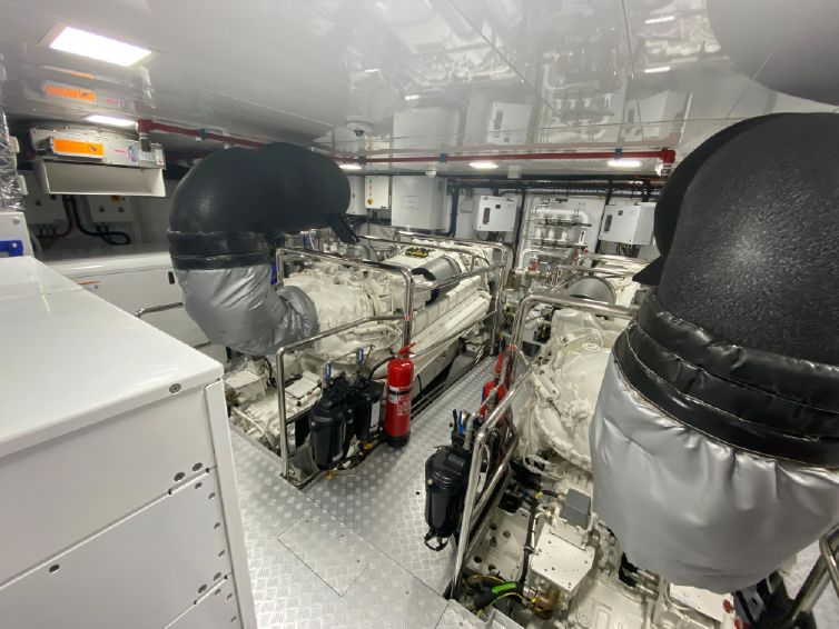 2018-115-azimut-grande-35-metri