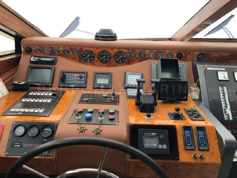 1994-85-4-custom-tuzla-26m-flybridge