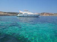 2000 Ferretti Yachts 57 Fly